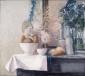 Kommen, broodjes en bloemen op schoorsteenmantel. 80x90 cm.